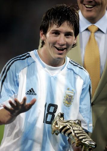 Biografi Singkat Lionel Messi Zona Degradasi